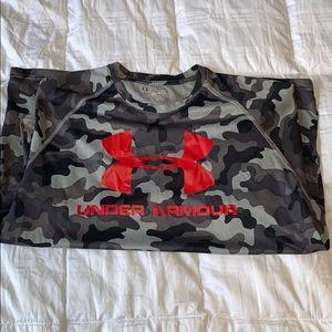 Under Armour dri-fit camo shirt L
